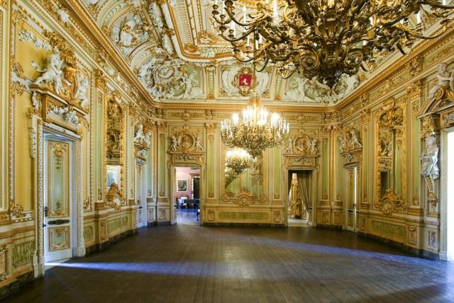 Palazzo_Parisio_1.jpg